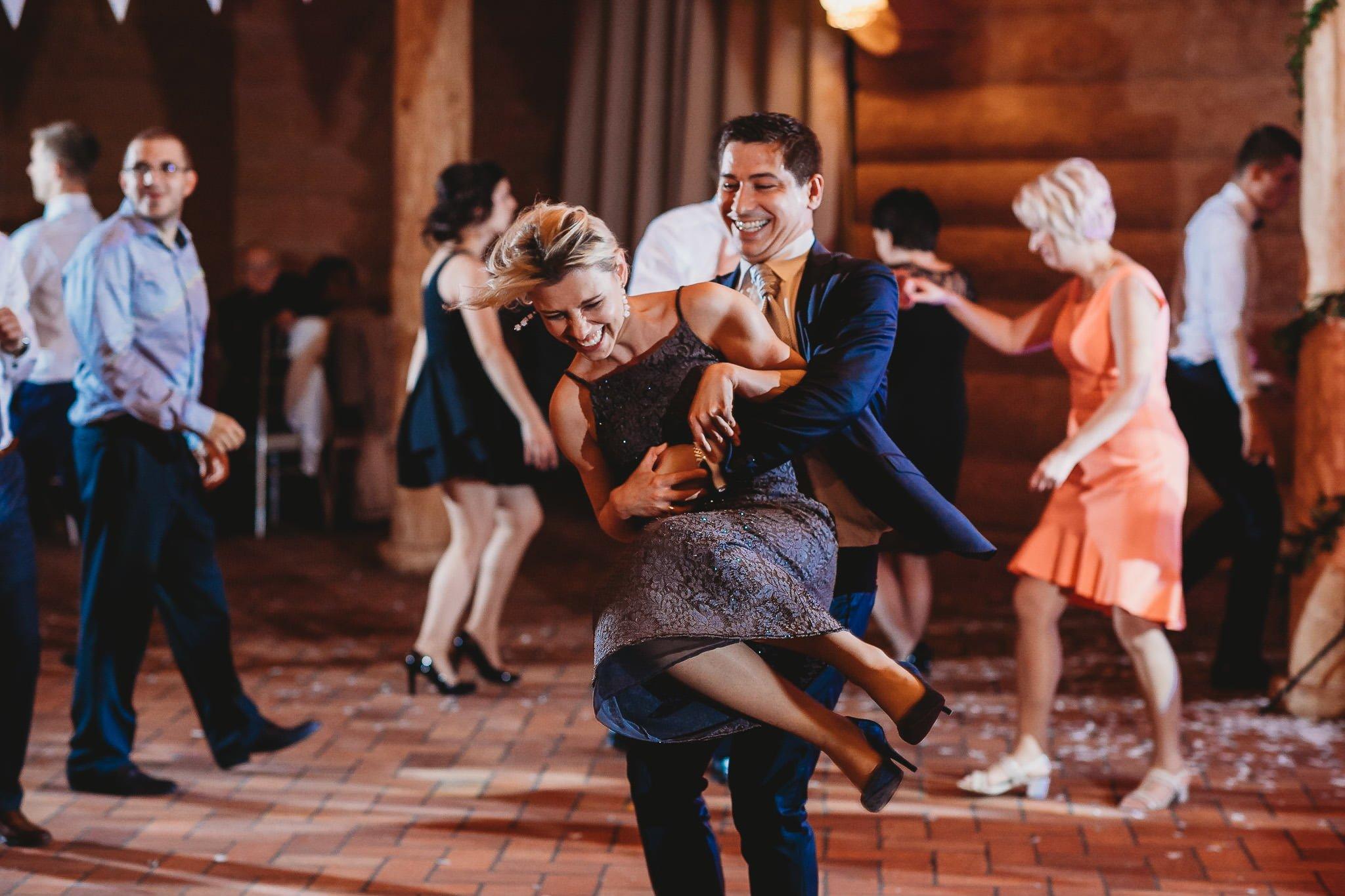Fantastyczny ślub w stylu rustykalnym, wesele w Kapitańskiej  fotograf ślubny Konin 404