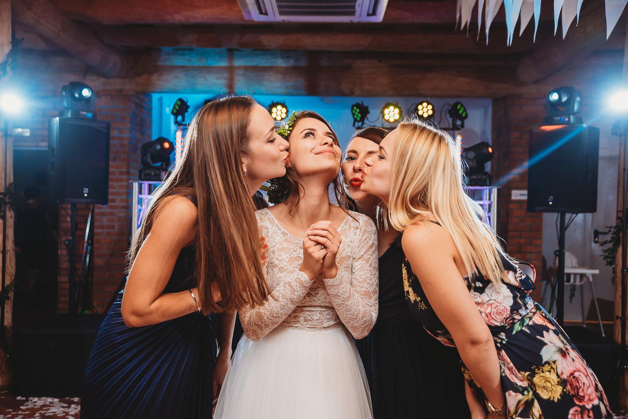 Fantastyczny ślub w stylu rustykalnym, wesele w Kapitańskiej  fotograf ślubny Konin 414