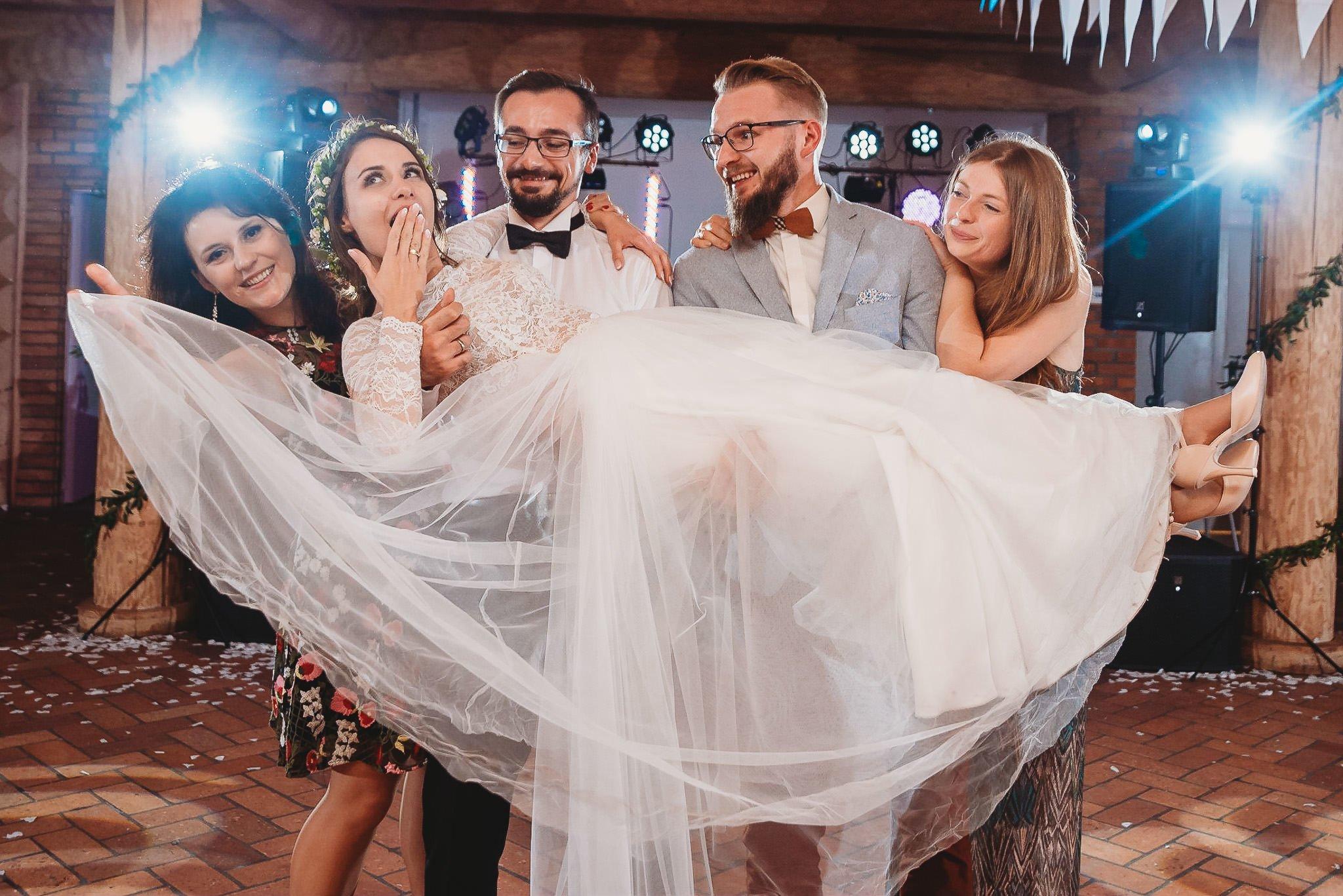 Fantastyczny ślub w stylu rustykalnym, wesele w Kapitańskiej  fotograf ślubny Konin 424