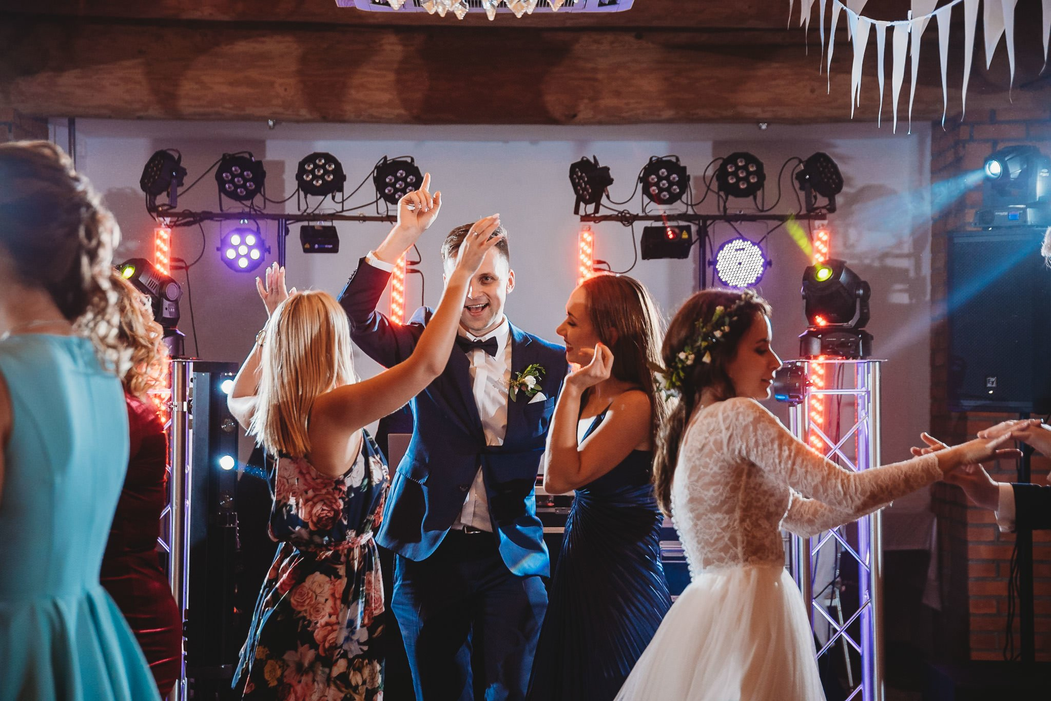 Fantastyczny ślub w stylu rustykalnym, wesele w Kapitańskiej  fotograf ślubny Konin 434