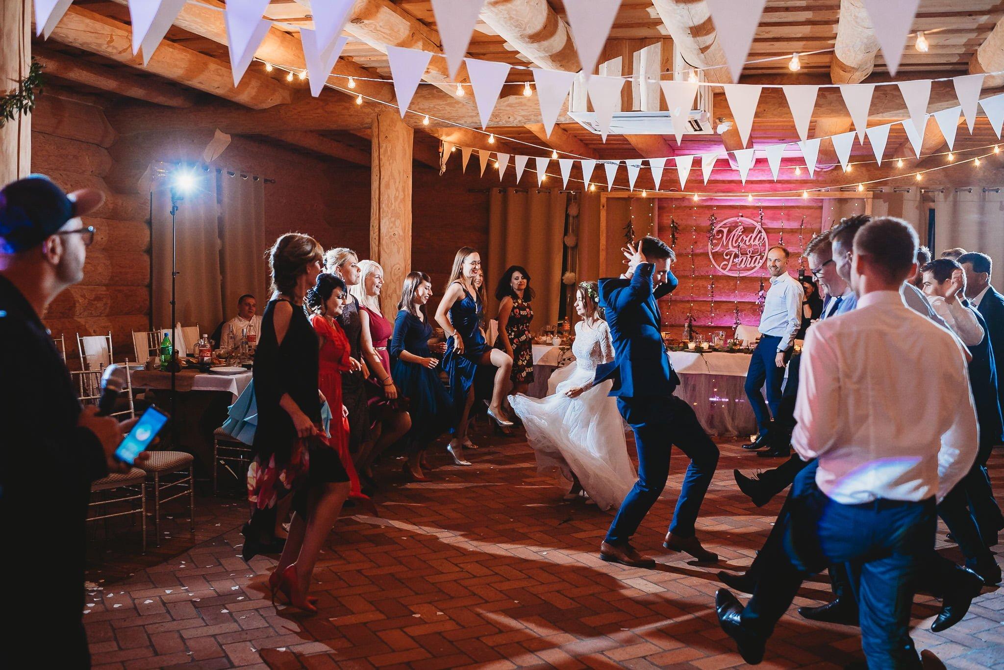 Fantastyczny ślub w stylu rustykalnym, wesele w Kapitańskiej  fotograf ślubny Konin 486