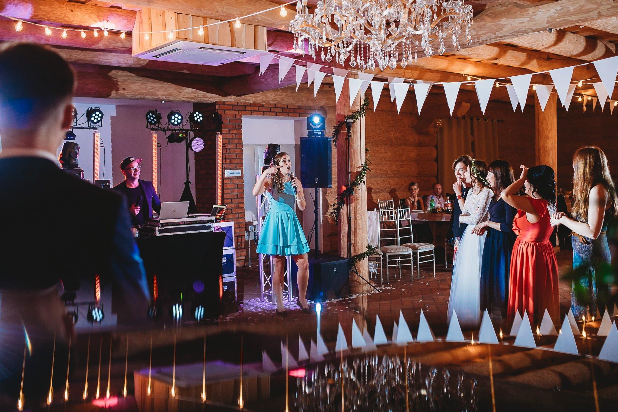 Fantastyczny ślub w stylu rustykalnym, wesele w Kapitańskiej  fotograf ślubny Konin 500