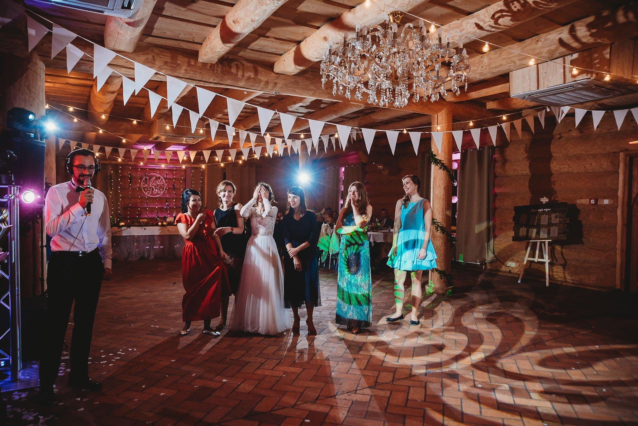 Fantastyczny ślub w stylu rustykalnym, wesele w Kapitańskiej  fotograf ślubny Konin 502