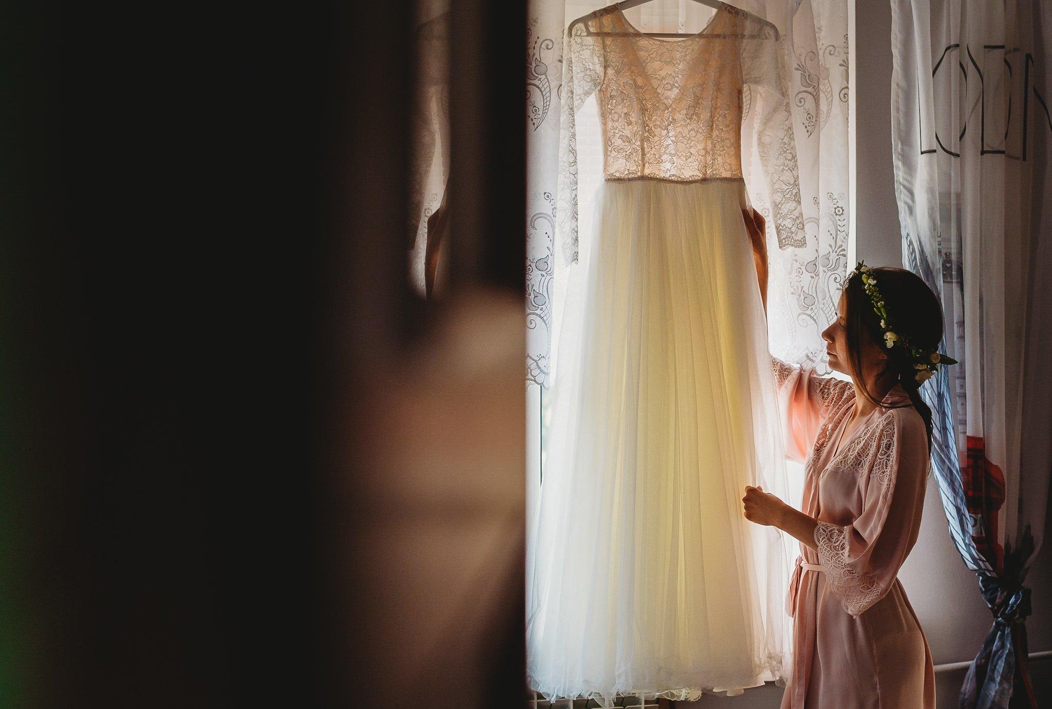 Fantastyczny ślub w stylu rustykalnym, wesele w Kapitańskiej  fotograf ślubny Konin 25