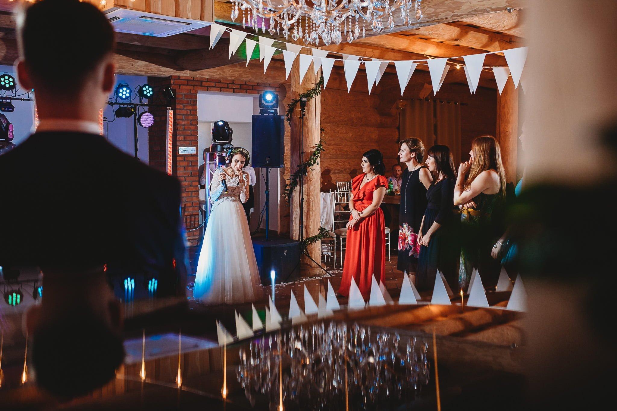 Fantastyczny ślub w stylu rustykalnym, wesele w Kapitańskiej  fotograf ślubny Konin 504