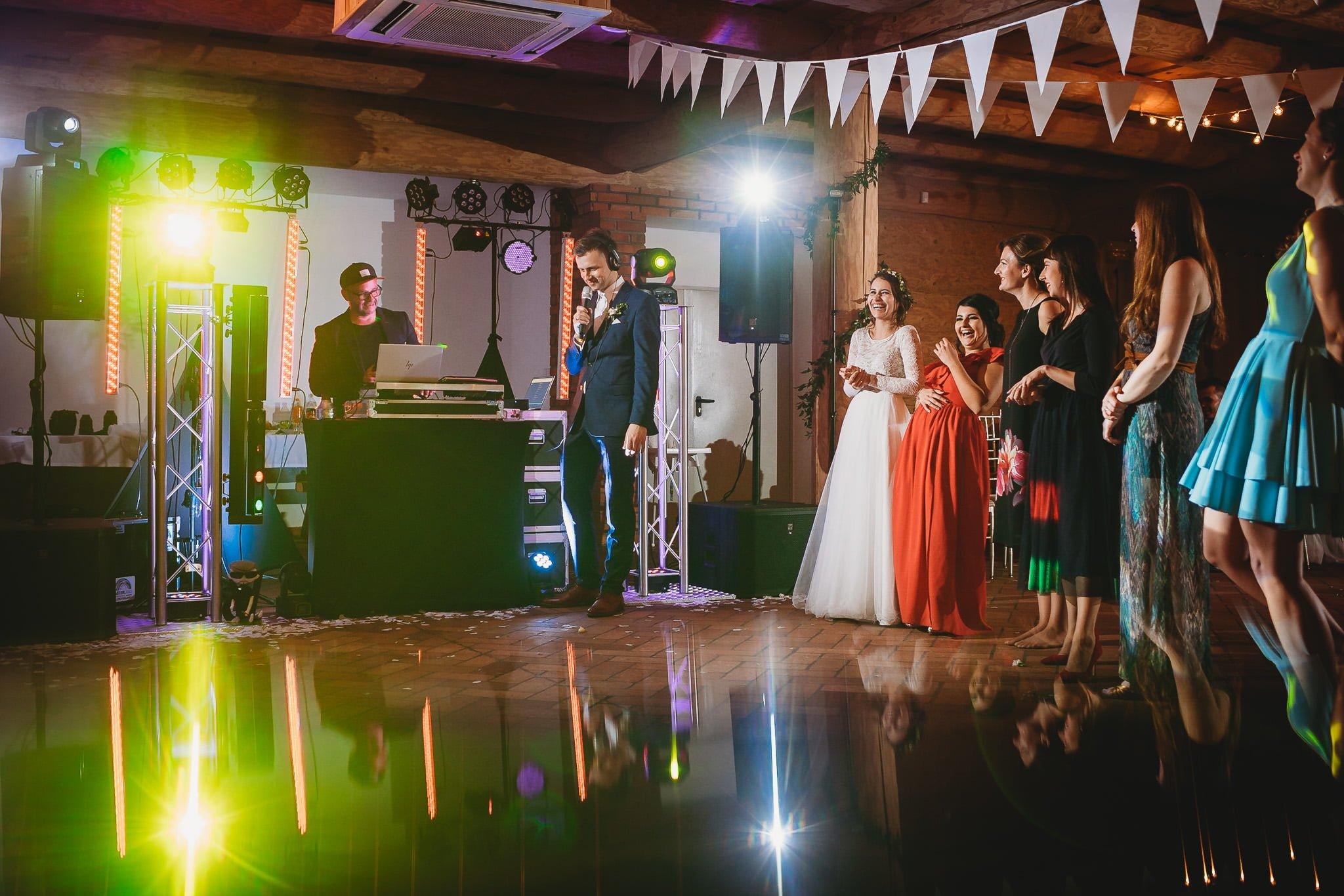 Fantastyczny ślub w stylu rustykalnym, wesele w Kapitańskiej  fotograf ślubny Konin 506