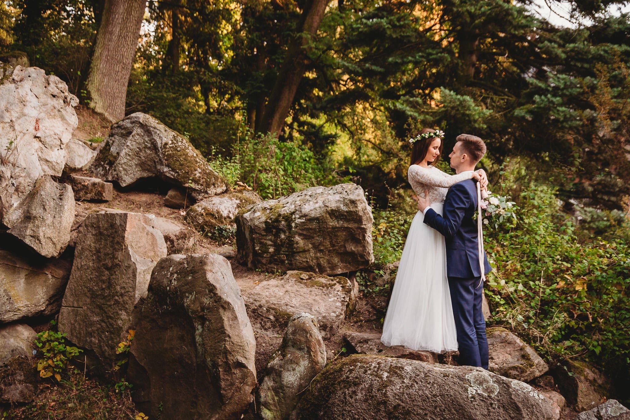Fantastyczny ślub w stylu rustykalnym, wesele w Kapitańskiej  fotograf ślubny Konin 534