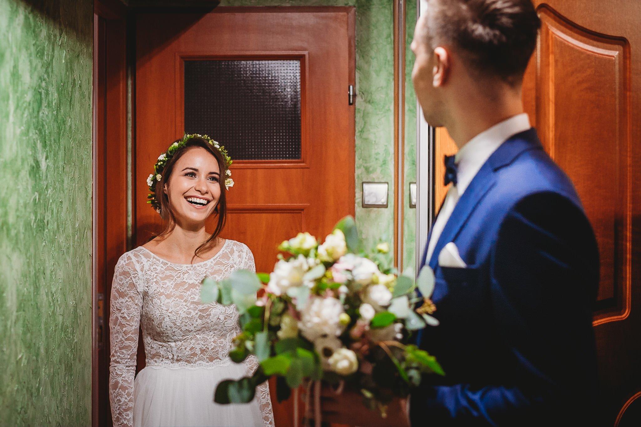Fantastyczny ślub w stylu rustykalnym, wesele w Kapitańskiej  fotograf ślubny Konin 39