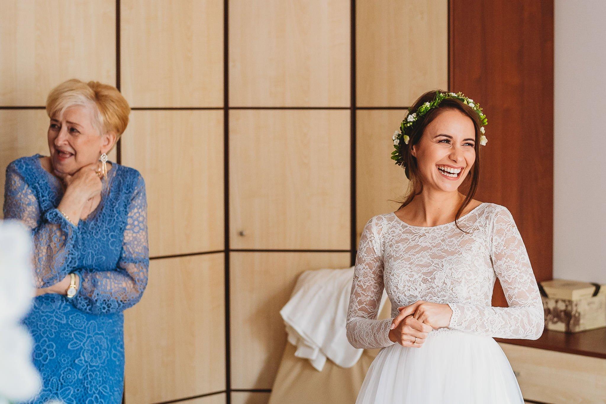 Fantastyczny ślub w stylu rustykalnym, wesele w Kapitańskiej  fotograf ślubny Konin 49