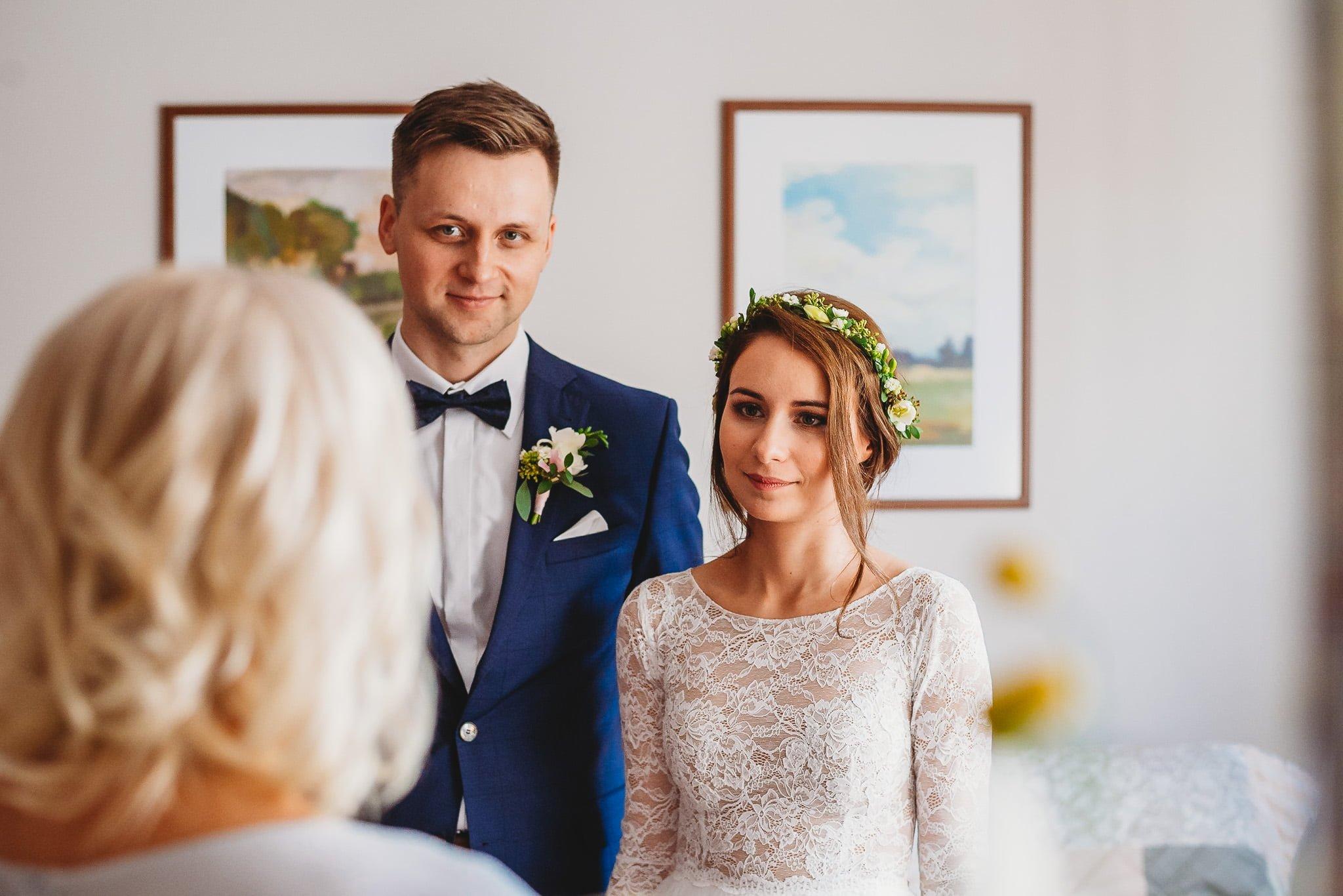 Fantastyczny ślub w stylu rustykalnym, wesele w Kapitańskiej  fotograf ślubny Konin 51