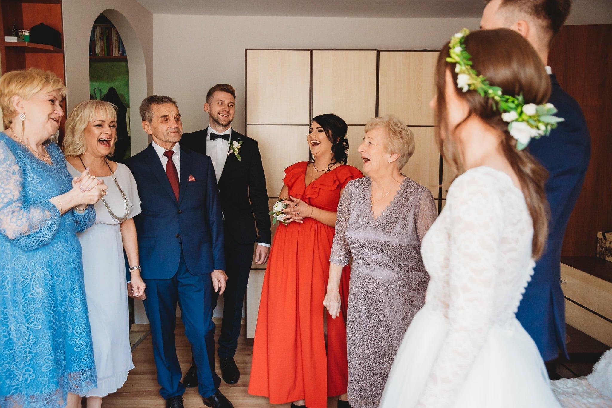 Fantastyczny ślub w stylu rustykalnym, wesele w Kapitańskiej  fotograf ślubny Konin 59