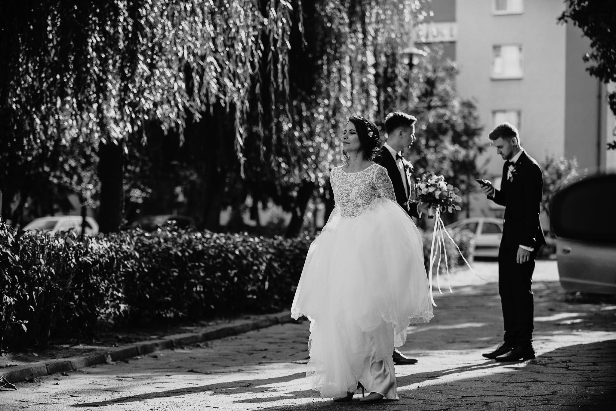 Fantastyczny ślub w stylu rustykalnym, wesele w Kapitańskiej  fotograf ślubny Konin 71