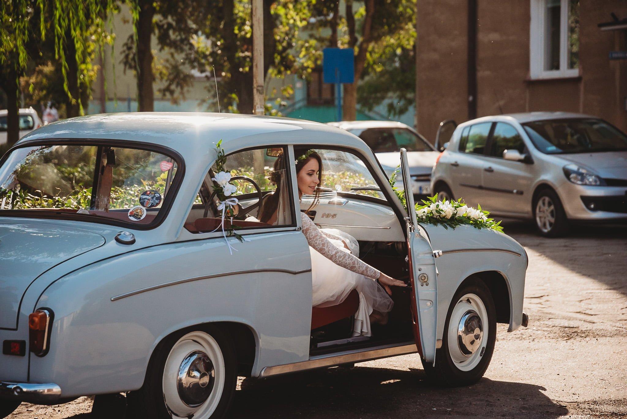 Fantastyczny ślub w stylu rustykalnym, wesele w Kapitańskiej  fotograf ślubny Konin 77