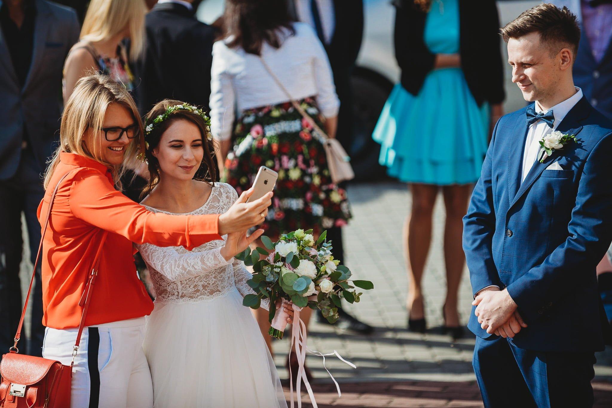 Fantastyczny ślub w stylu rustykalnym, wesele w Kapitańskiej  fotograf ślubny Konin 93