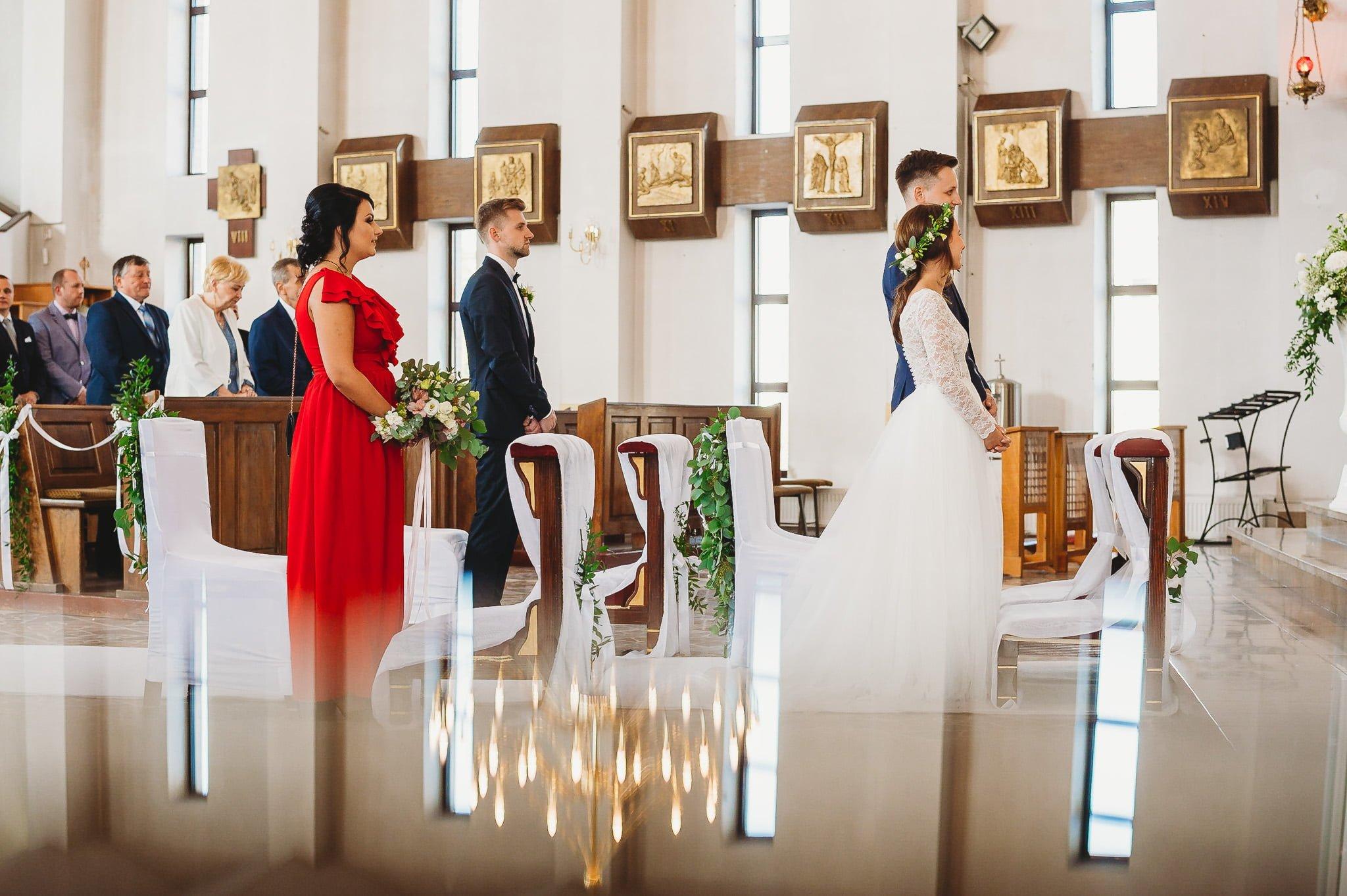 Fantastyczny ślub w stylu rustykalnym, wesele w Kapitańskiej  fotograf ślubny Konin 103
