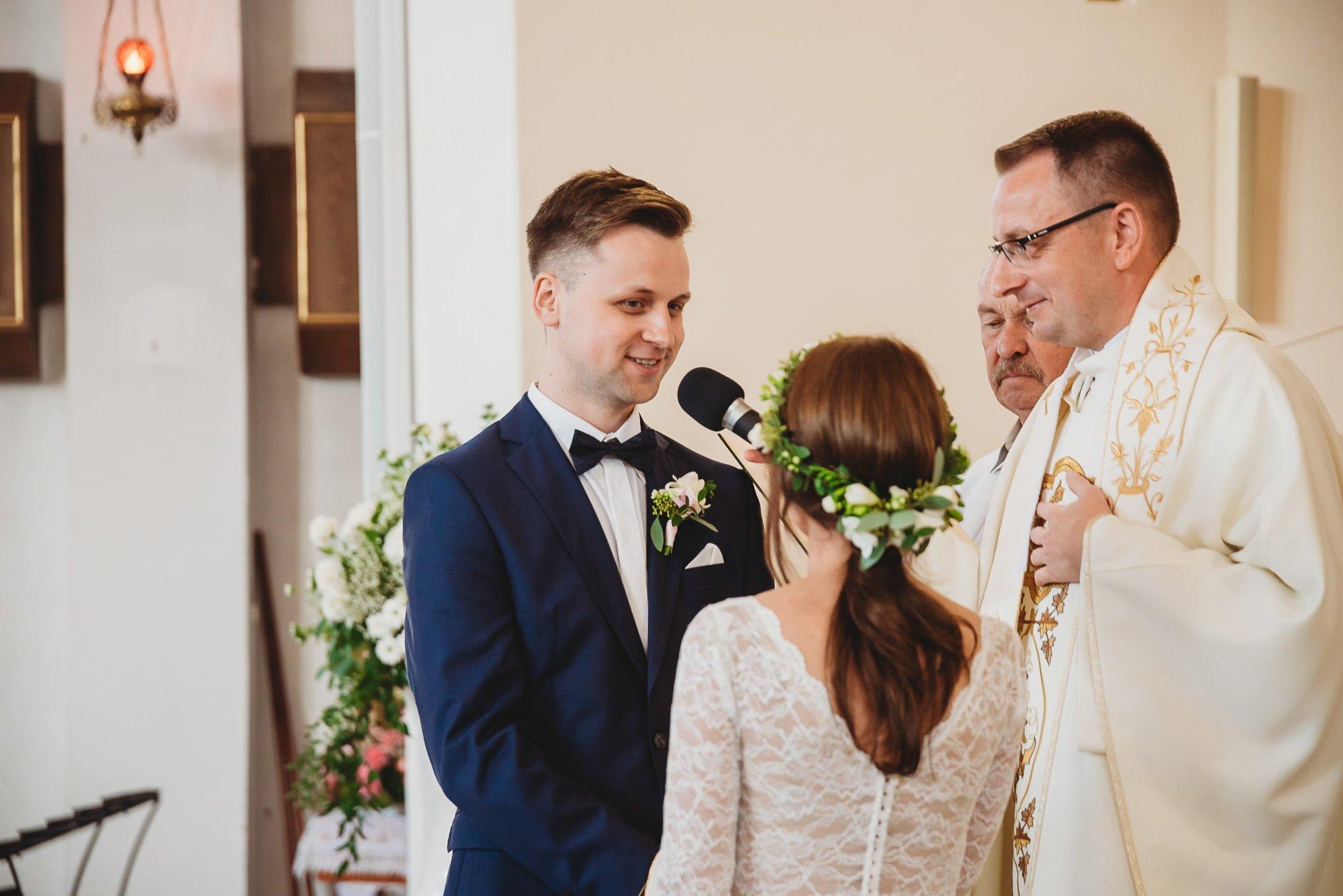 Fantastyczny ślub w stylu rustykalnym, wesele w Kapitańskiej  fotograf ślubny Konin 113