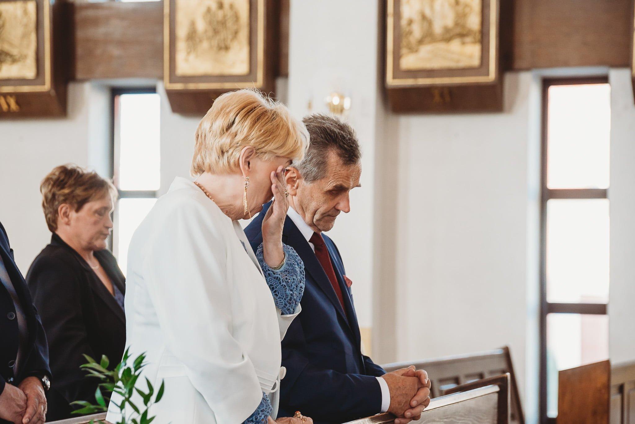 Fantastyczny ślub w stylu rustykalnym, wesele w Kapitańskiej  fotograf ślubny Konin 119