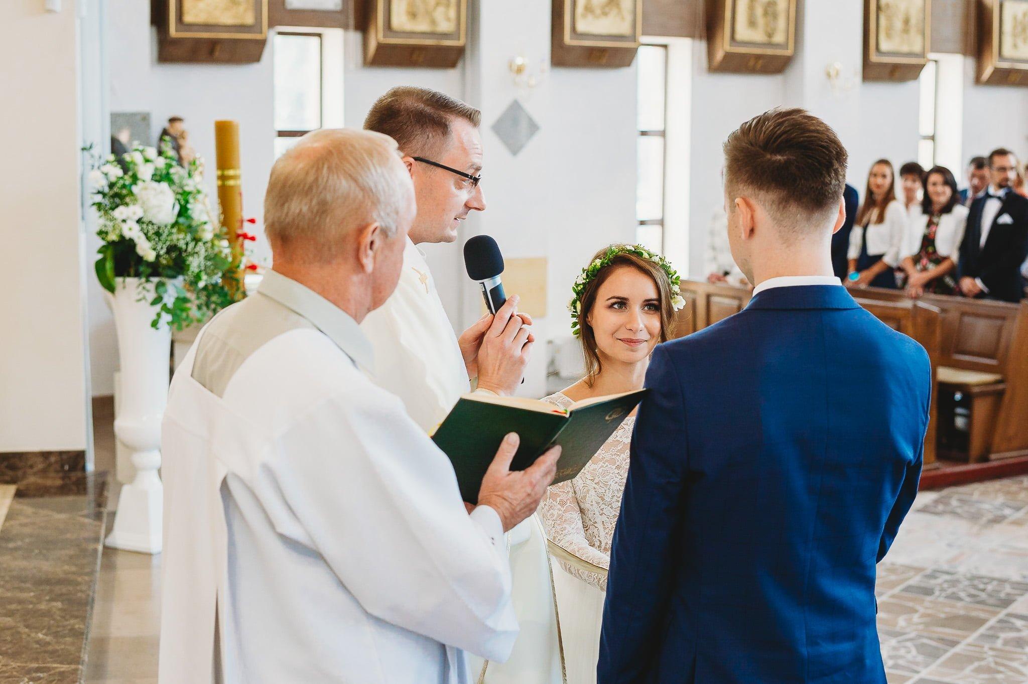Fantastyczny ślub w stylu rustykalnym, wesele w Kapitańskiej  fotograf ślubny Konin 121