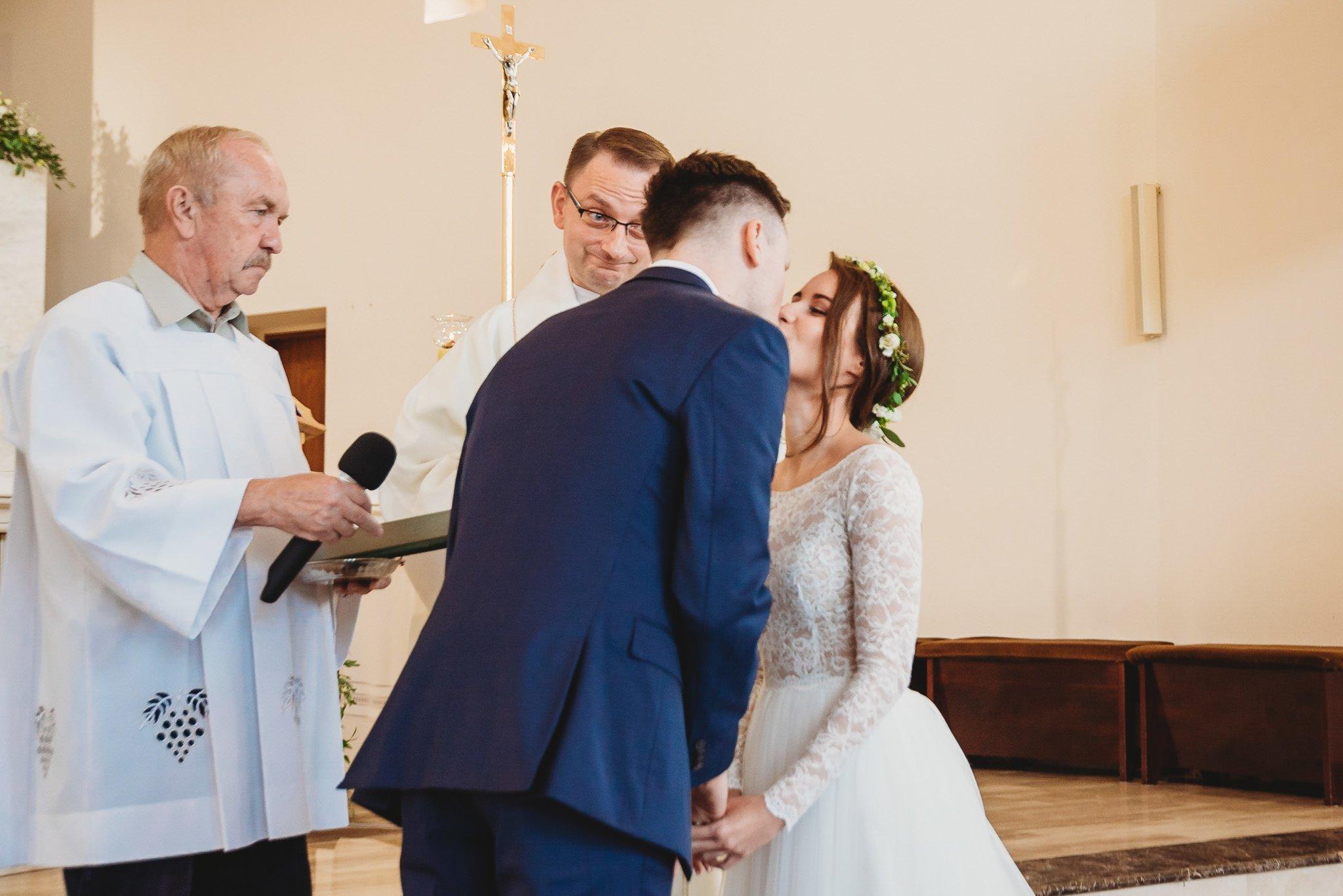 Fantastyczny ślub w stylu rustykalnym, wesele w Kapitańskiej  fotograf ślubny Konin 127