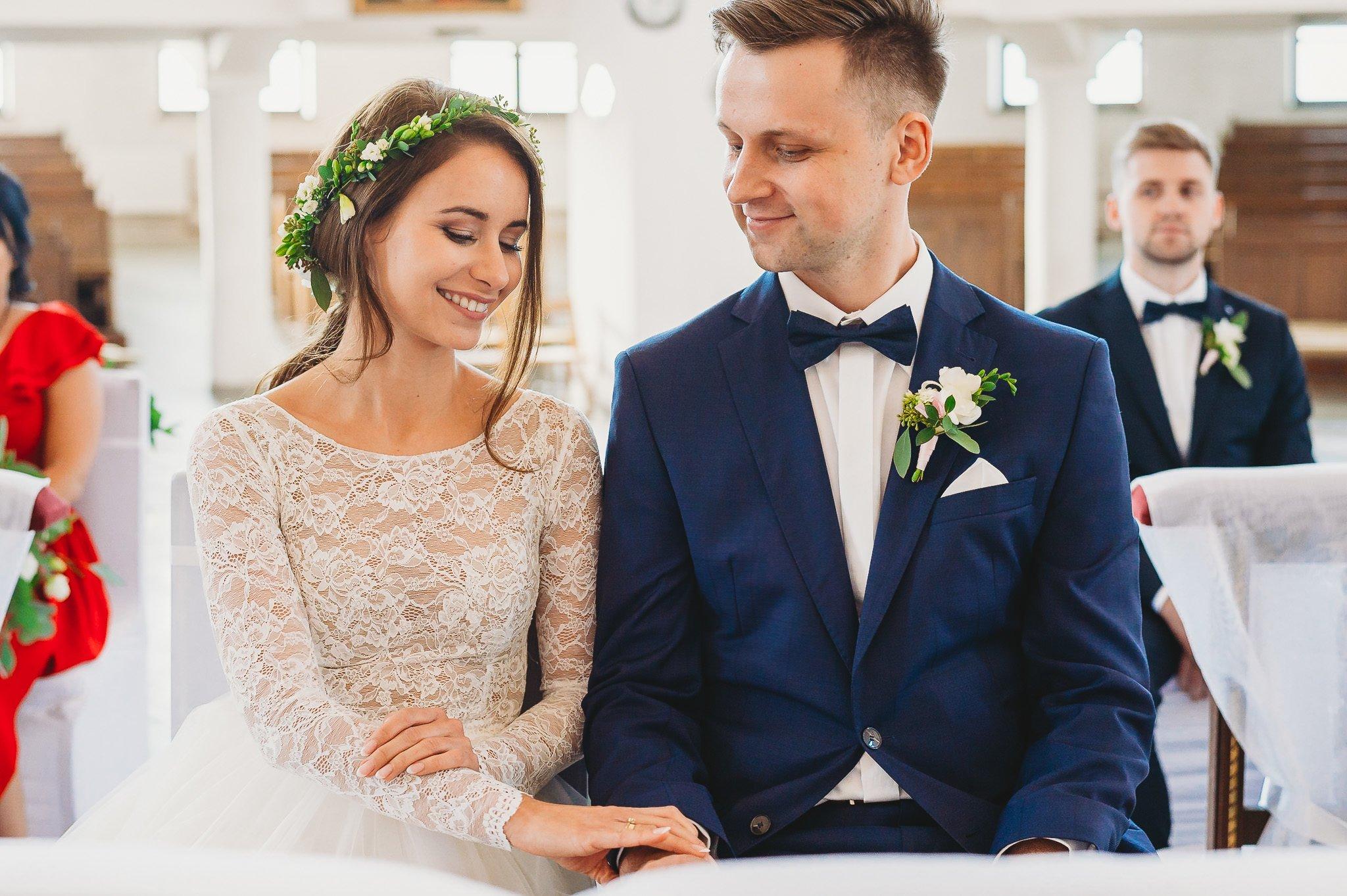 Fantastyczny ślub w stylu rustykalnym, wesele w Kapitańskiej  fotograf ślubny Konin 133