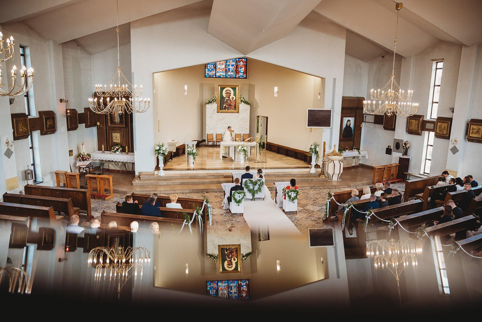 Fantastyczny ślub w stylu rustykalnym, wesele w Kapitańskiej  fotograf ślubny Konin 137
