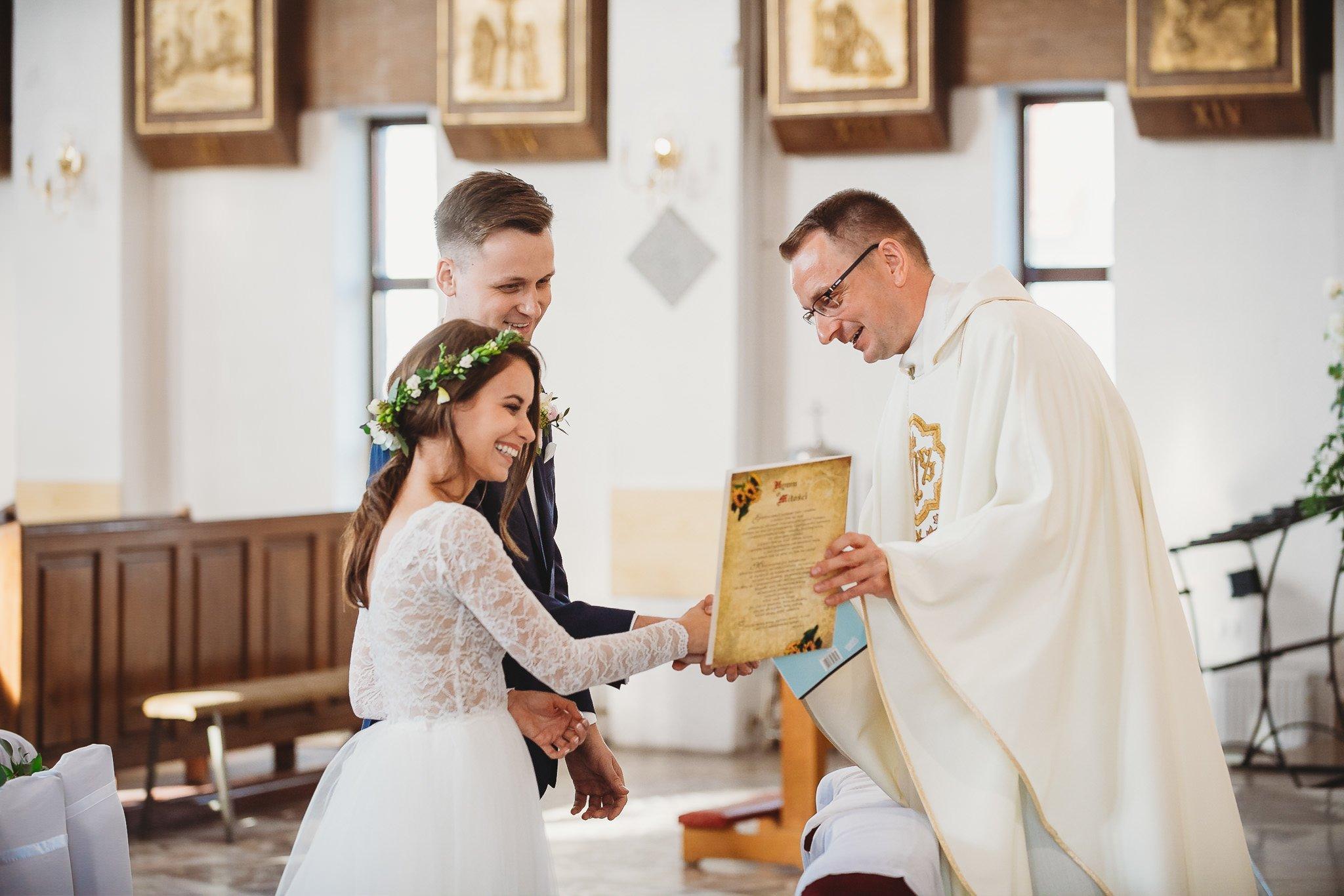 Fantastyczny ślub w stylu rustykalnym, wesele w Kapitańskiej  fotograf ślubny Konin 145