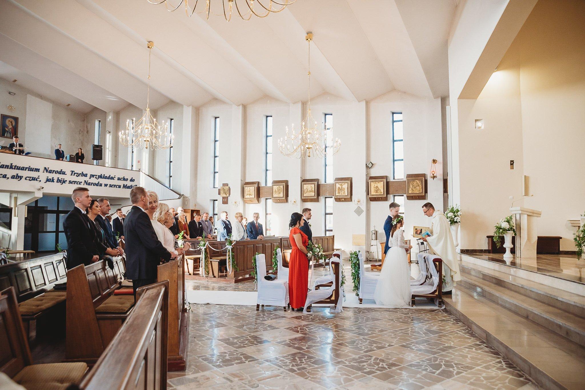 Fantastyczny ślub w stylu rustykalnym, wesele w Kapitańskiej  fotograf ślubny Konin 147