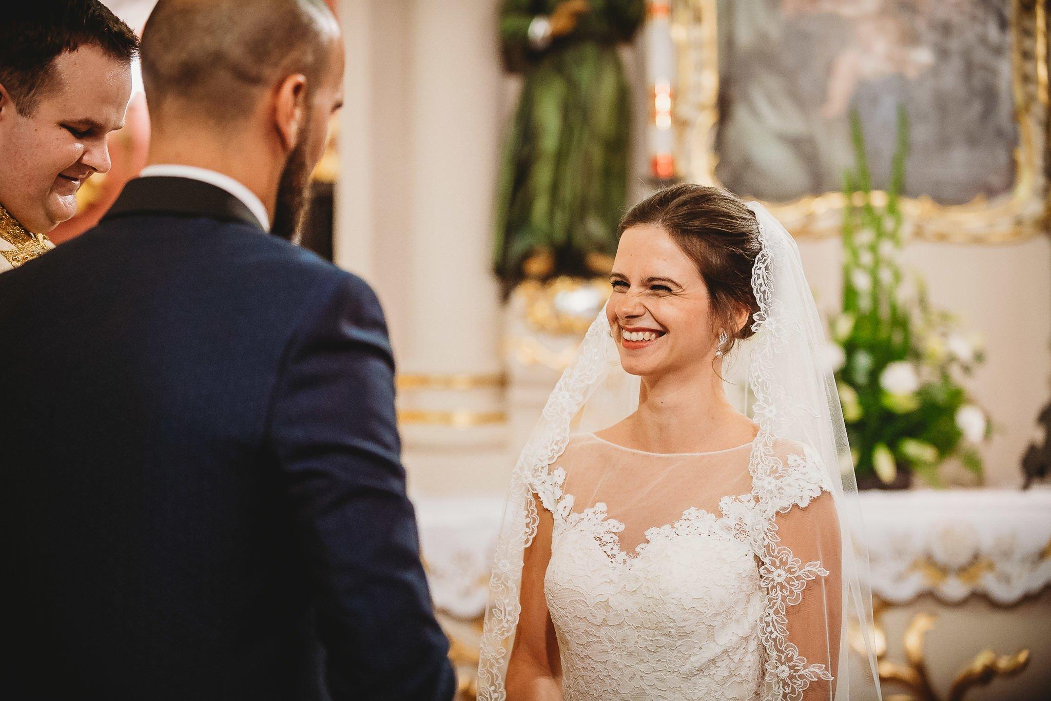 Płacz, łzy, śmiech, szał mieszanka wybuchowych emocji na niezapomnianym ślubie w Jaocinie| fotograf ślubny Konin 153