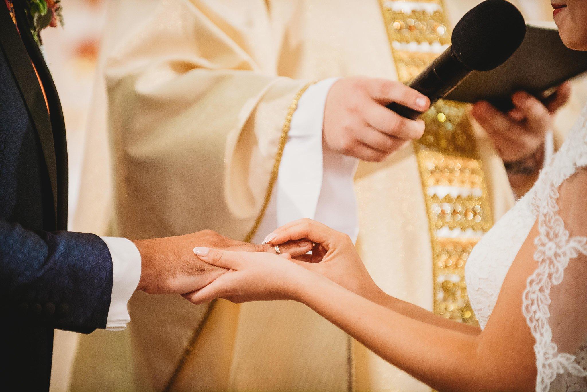 Płacz, łzy, śmiech, szał mieszanka wybuchowych emocji na niezapomnianym ślubie w Jaocinie| fotograf ślubny Konin 157
