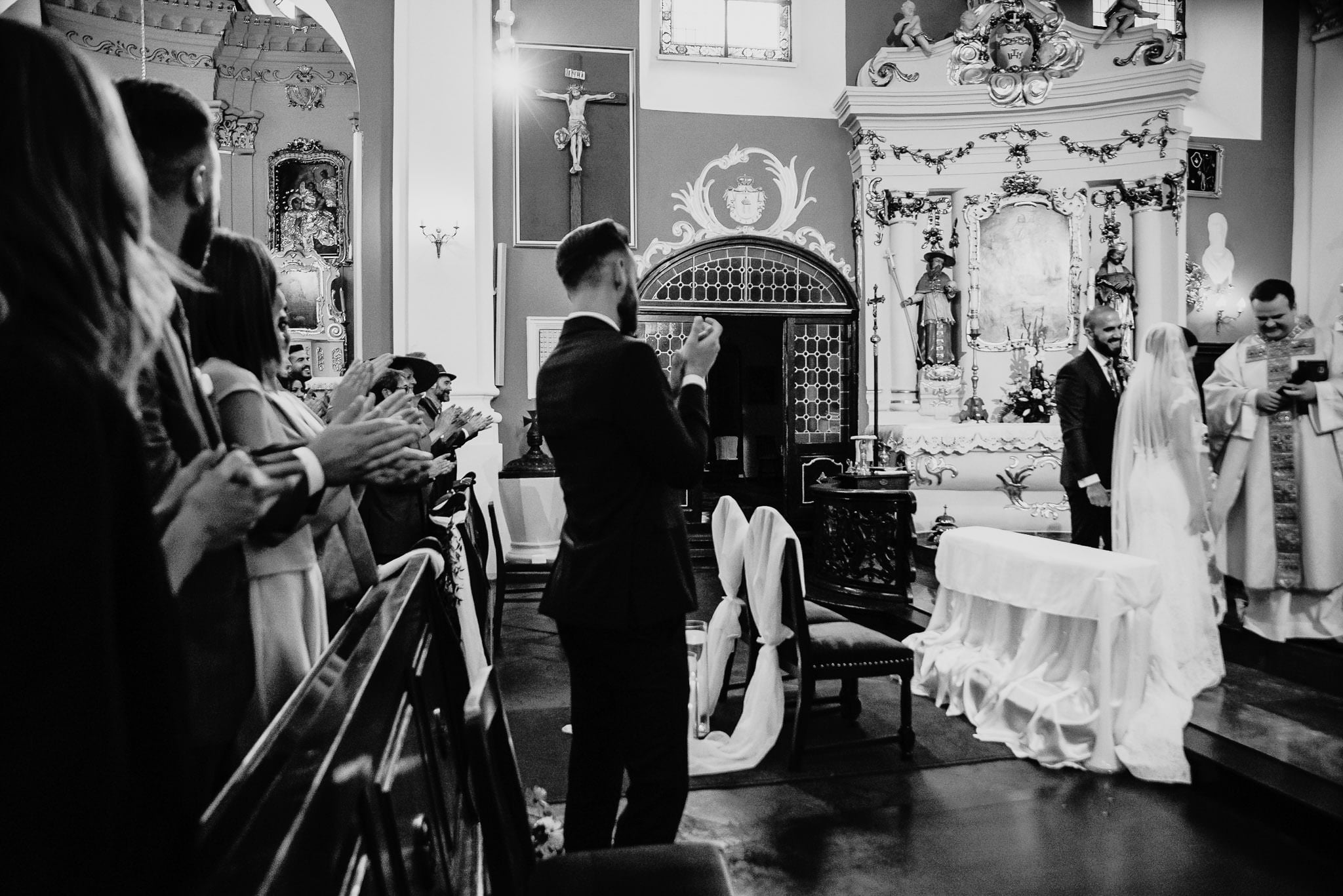 Płacz, łzy, śmiech, szał mieszanka wybuchowych emocji na niezapomnianym ślubie w Jaocinie| fotograf ślubny Konin 165