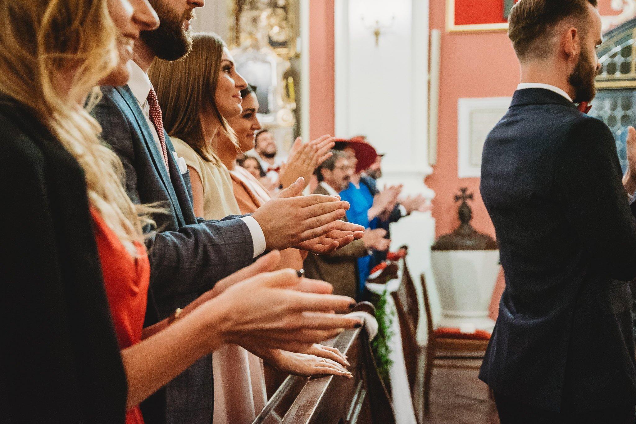 Płacz, łzy, śmiech, szał mieszanka wybuchowych emocji na niezapomnianym ślubie w Jaocinie| fotograf ślubny Konin 167