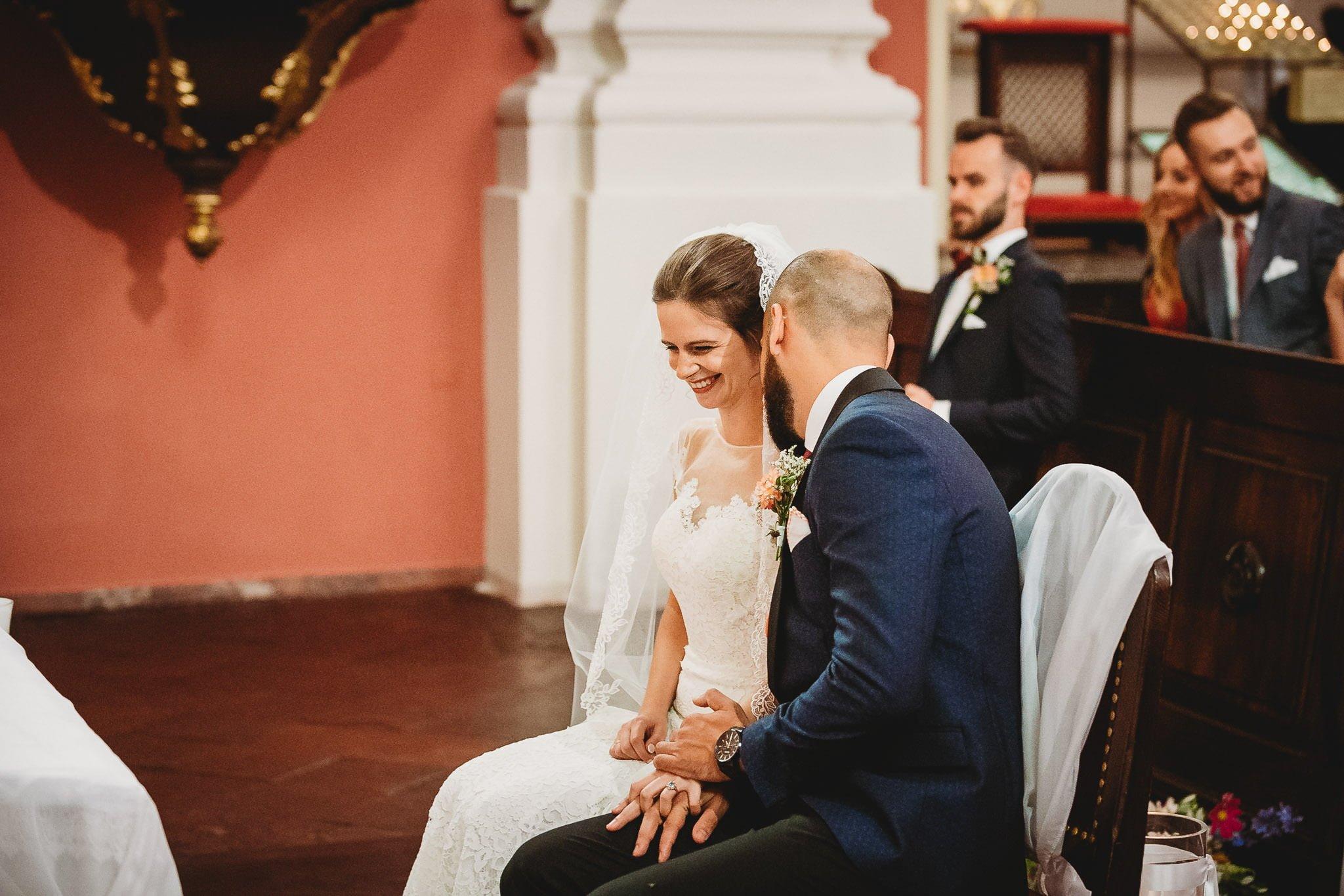 Płacz, łzy, śmiech, szał mieszanka wybuchowych emocji na niezapomnianym ślubie w Jaocinie| fotograf ślubny Konin 169