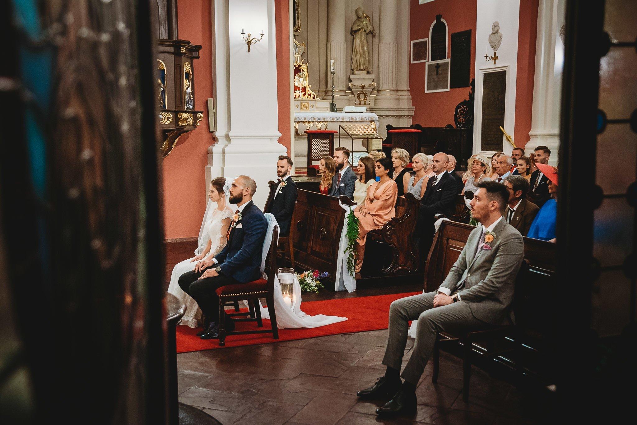 Płacz, łzy, śmiech, szał mieszanka wybuchowych emocji na niezapomnianym ślubie w Jaocinie| fotograf ślubny Konin 175