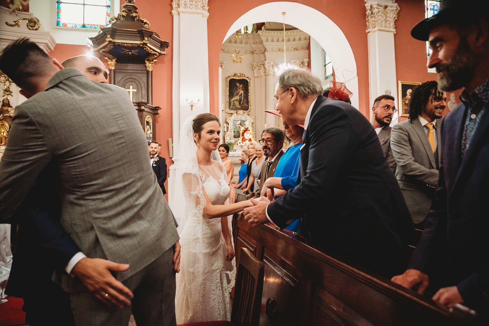 Płacz, łzy, śmiech, szał mieszanka wybuchowych emocji na niezapomnianym ślubie w Jaocinie| fotograf ślubny Konin 181