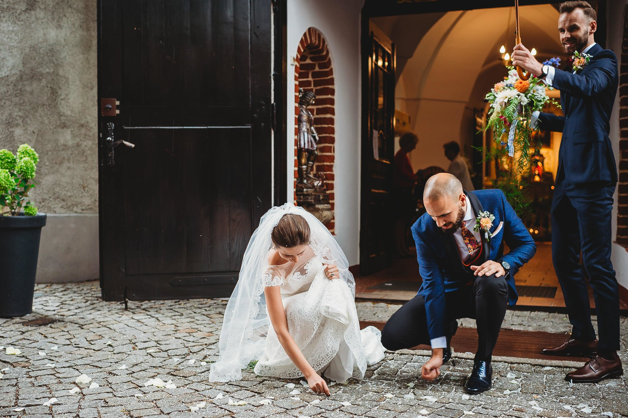 Płacz, łzy, śmiech, szał mieszanka wybuchowych emocji na niezapomnianym ślubie w Jaocinie| fotograf ślubny Konin 206