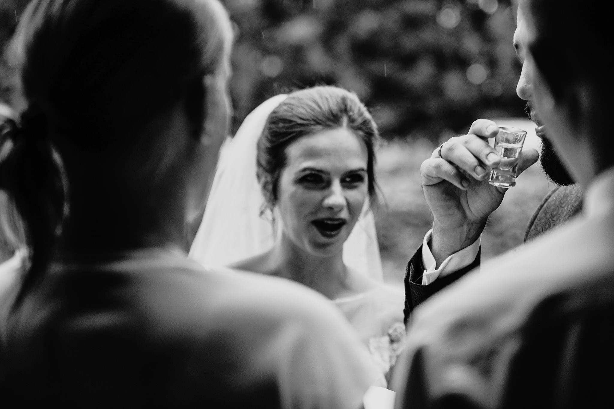 Płacz, łzy, śmiech, szał mieszanka wybuchowych emocji na niezapomnianym ślubie w Jaocinie| fotograf ślubny Konin 232