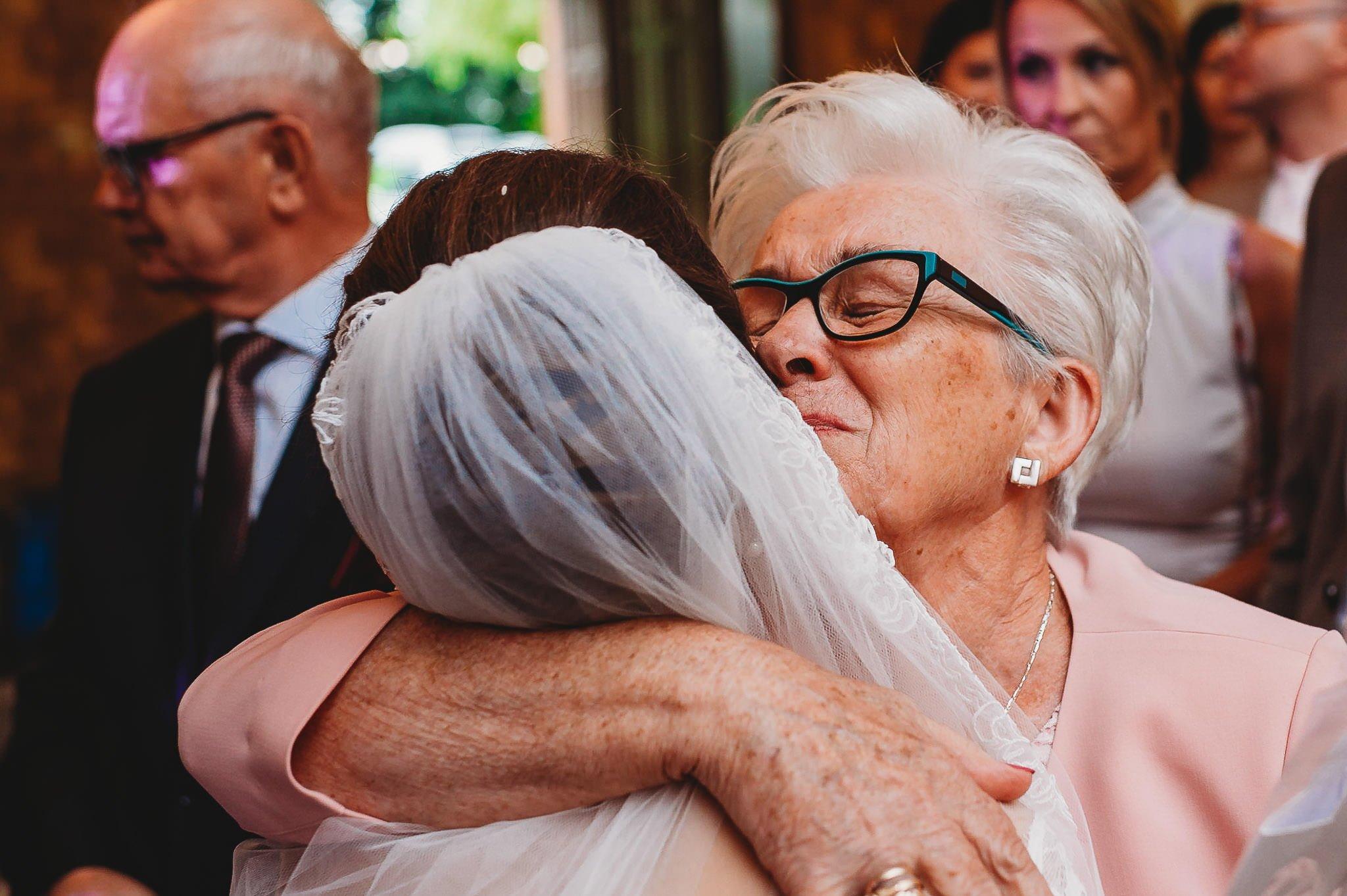 Płacz, łzy, śmiech, szał mieszanka wybuchowych emocji na niezapomnianym ślubie w Jaocinie| fotograf ślubny Konin 250