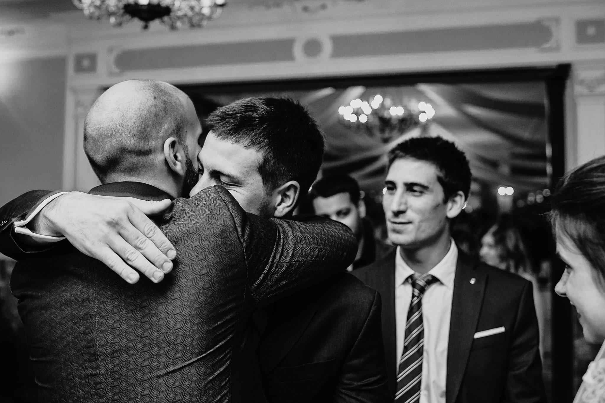 Płacz, łzy, śmiech, szał mieszanka wybuchowych emocji na niezapomnianym ślubie w Jaocinie| fotograf ślubny Konin 276