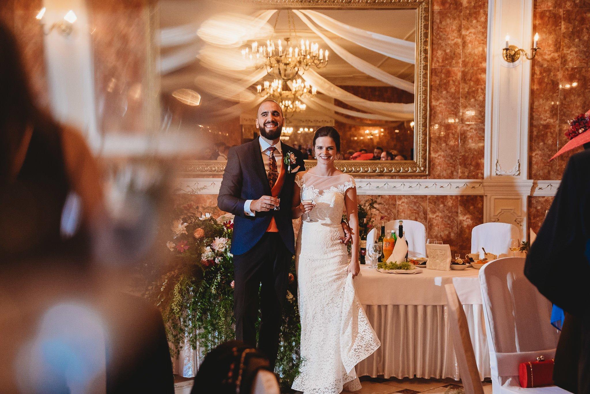 Płacz, łzy, śmiech, szał mieszanka wybuchowych emocji na niezapomnianym ślubie w Jaocinie| fotograf ślubny Konin 300