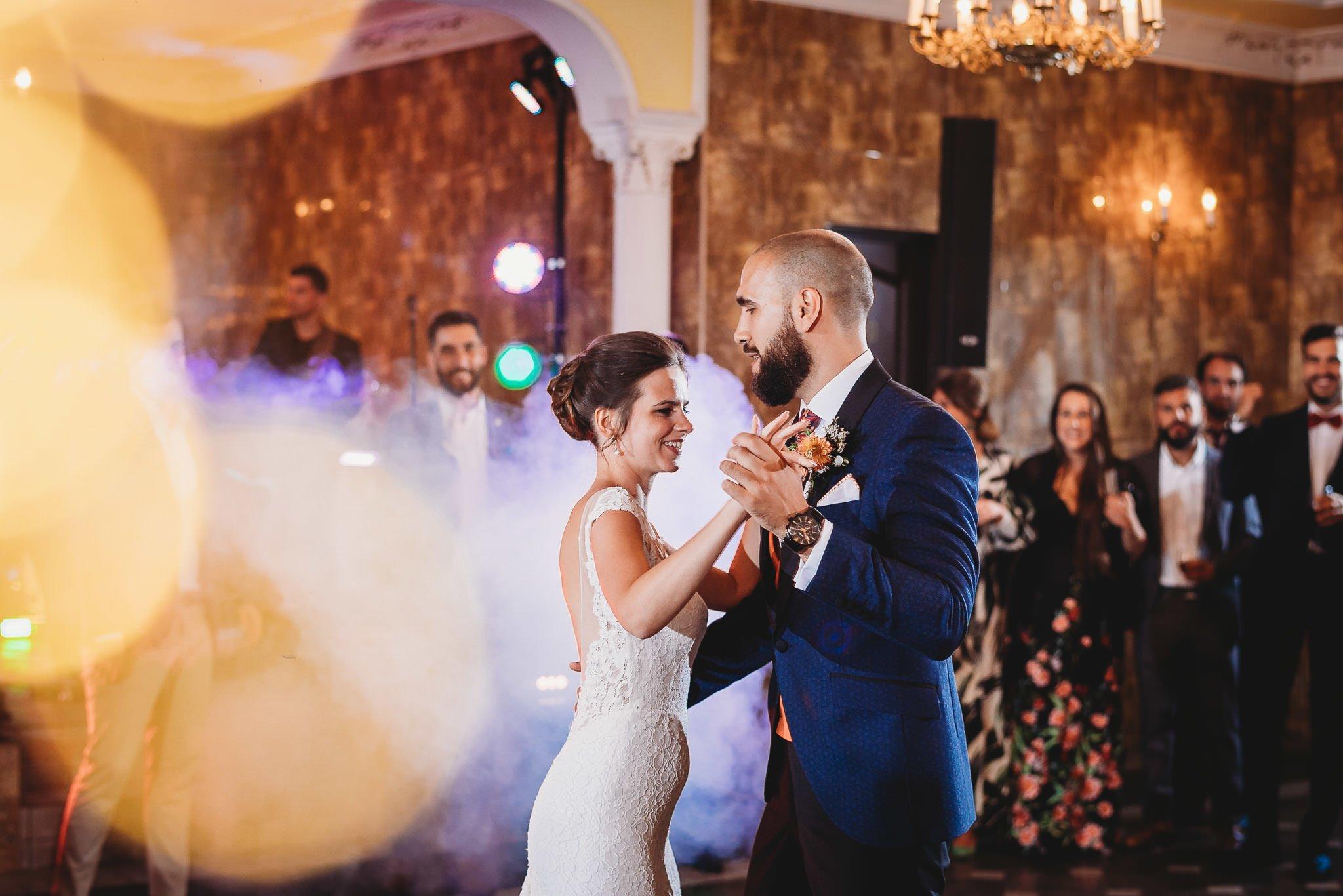 Płacz, łzy, śmiech, szał mieszanka wybuchowych emocji na niezapomnianym ślubie w Jaocinie| fotograf ślubny Konin 306