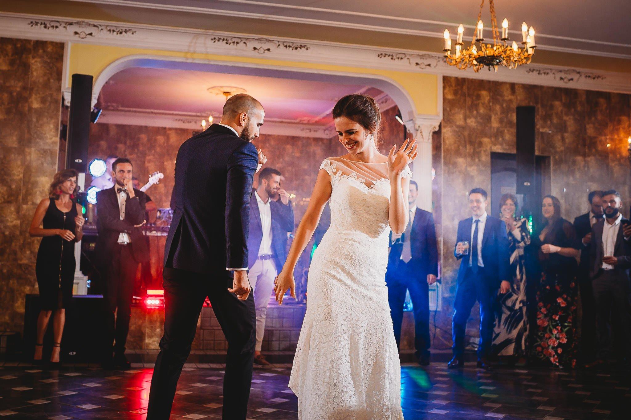 Płacz, łzy, śmiech, szał mieszanka wybuchowych emocji na niezapomnianym ślubie w Jaocinie| fotograf ślubny Konin 316