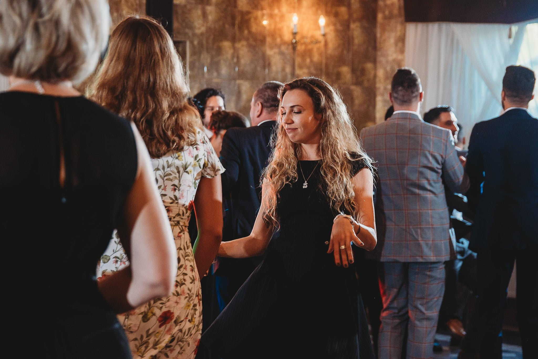 Płacz, łzy, śmiech, szał mieszanka wybuchowych emocji na niezapomnianym ślubie w Jaocinie| fotograf ślubny Konin 340