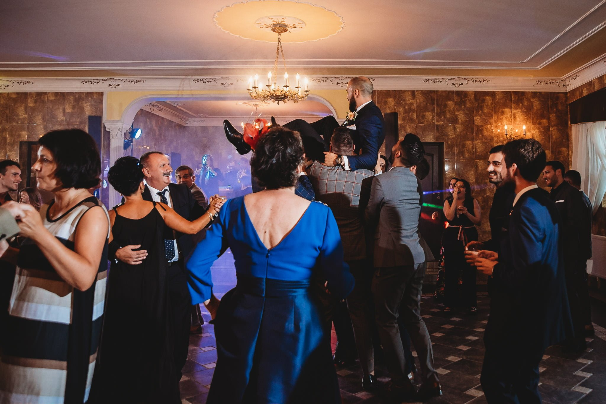 Płacz, łzy, śmiech, szał mieszanka wybuchowych emocji na niezapomnianym ślubie w Jaocinie| fotograf ślubny Konin 342