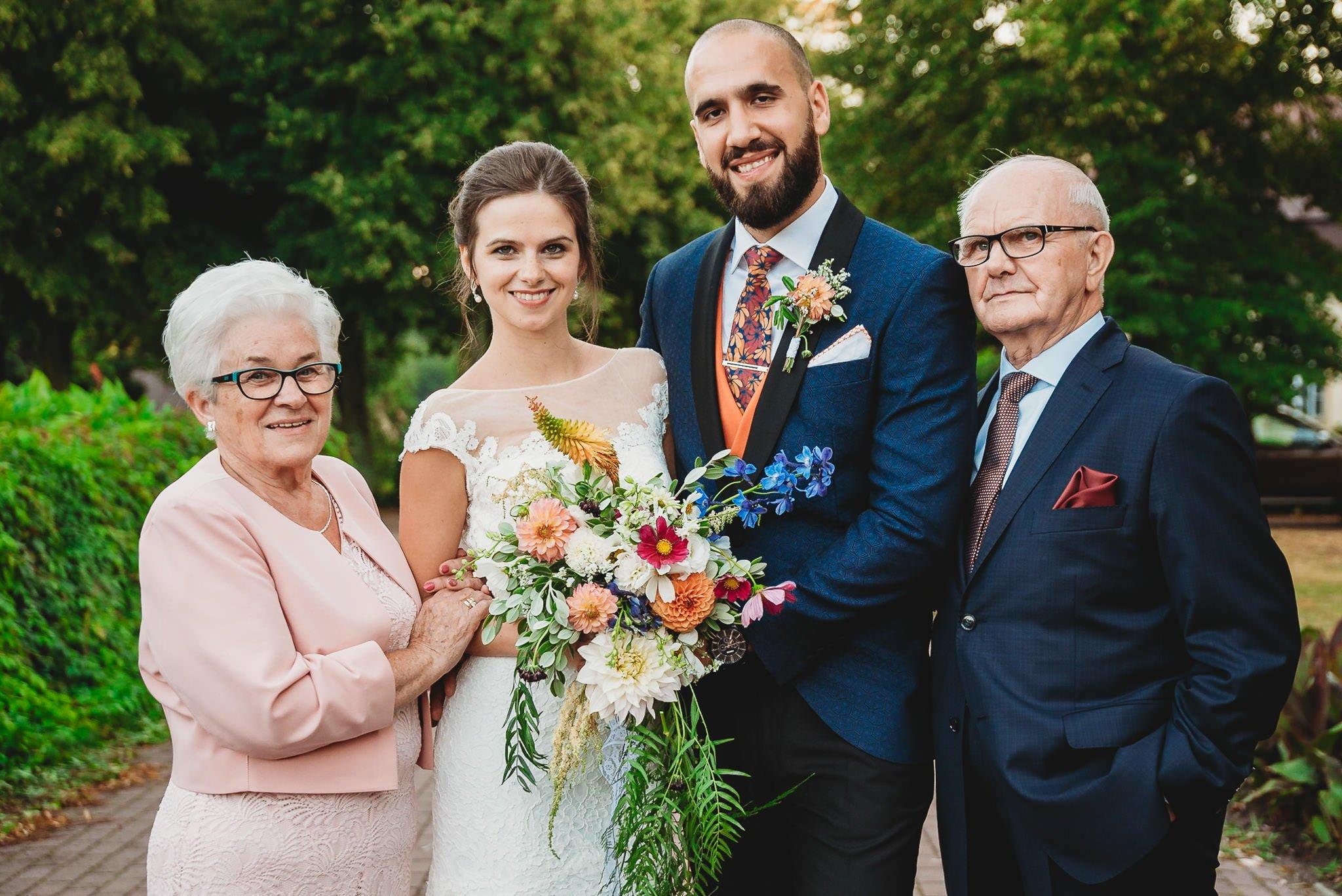 Płacz, łzy, śmiech, szał mieszanka wybuchowych emocji na niezapomnianym ślubie w Jaocinie| fotograf ślubny Konin 352