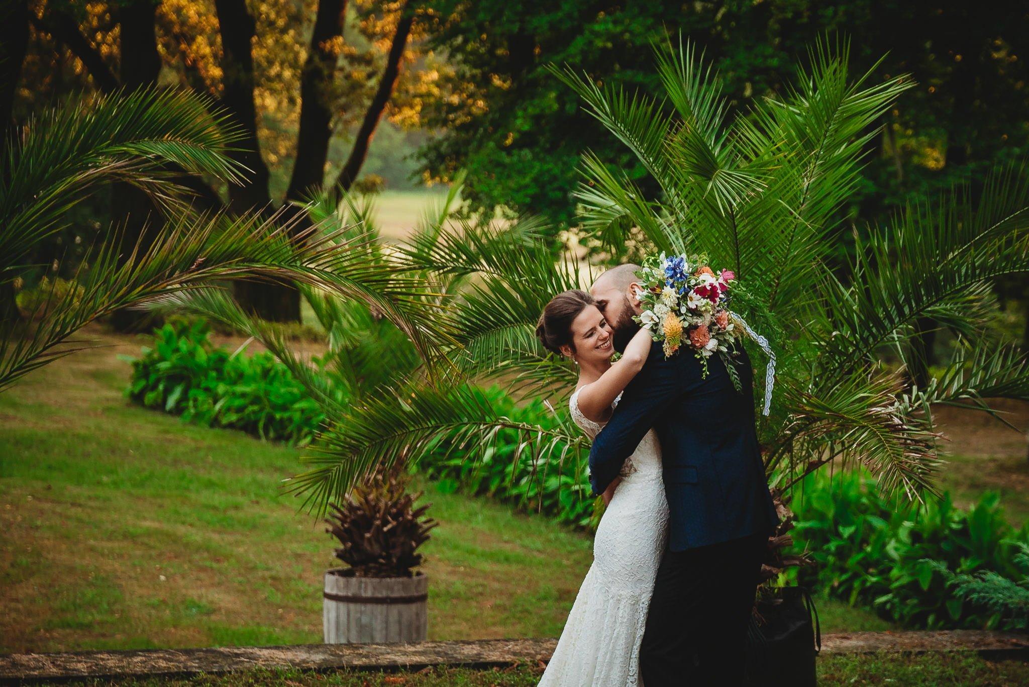Płacz, łzy, śmiech, szał mieszanka wybuchowych emocji na niezapomnianym ślubie w Jaocinie| fotograf ślubny Konin 361