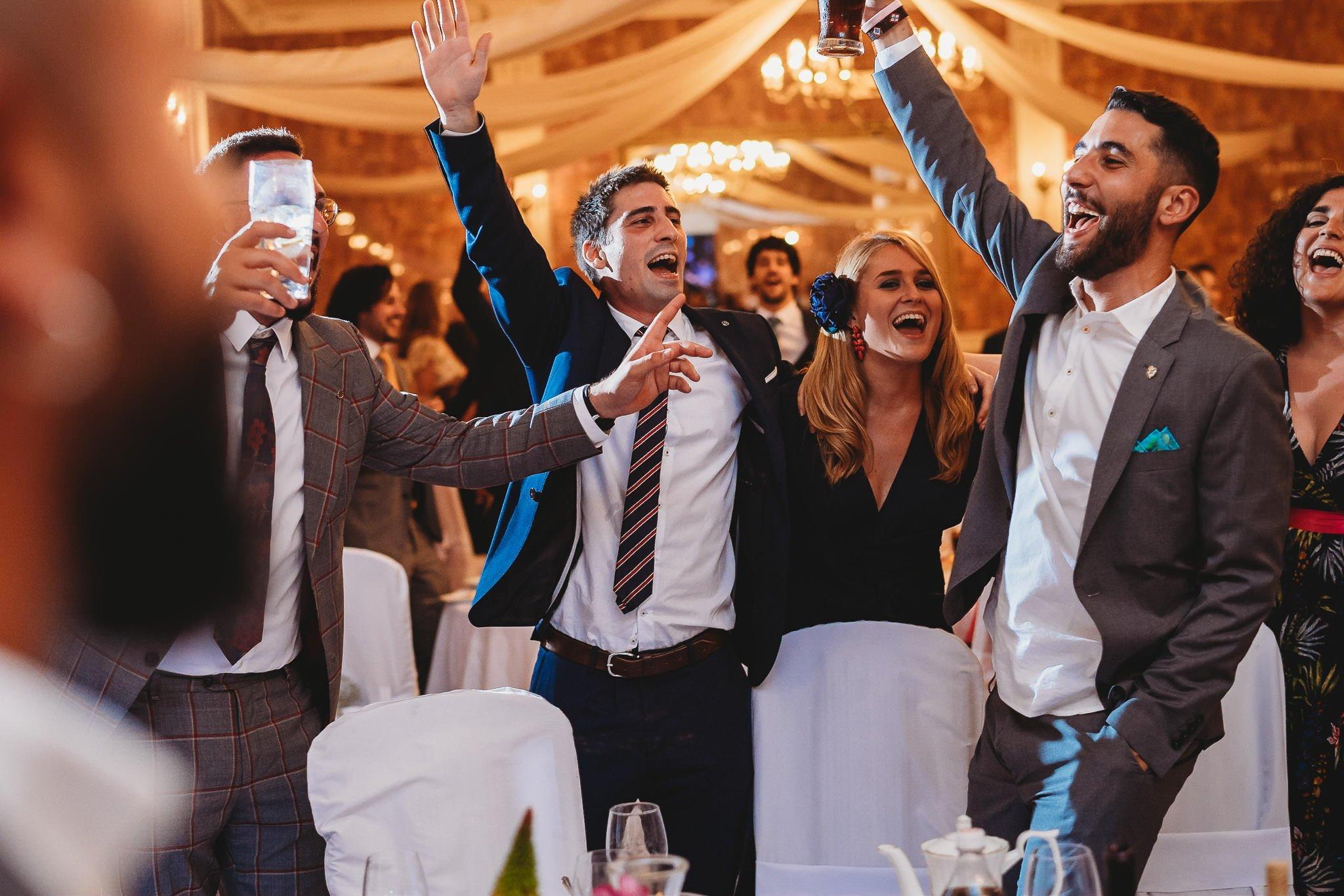 Płacz, łzy, śmiech, szał mieszanka wybuchowych emocji na niezapomnianym ślubie w Jaocinie| fotograf ślubny Konin 404