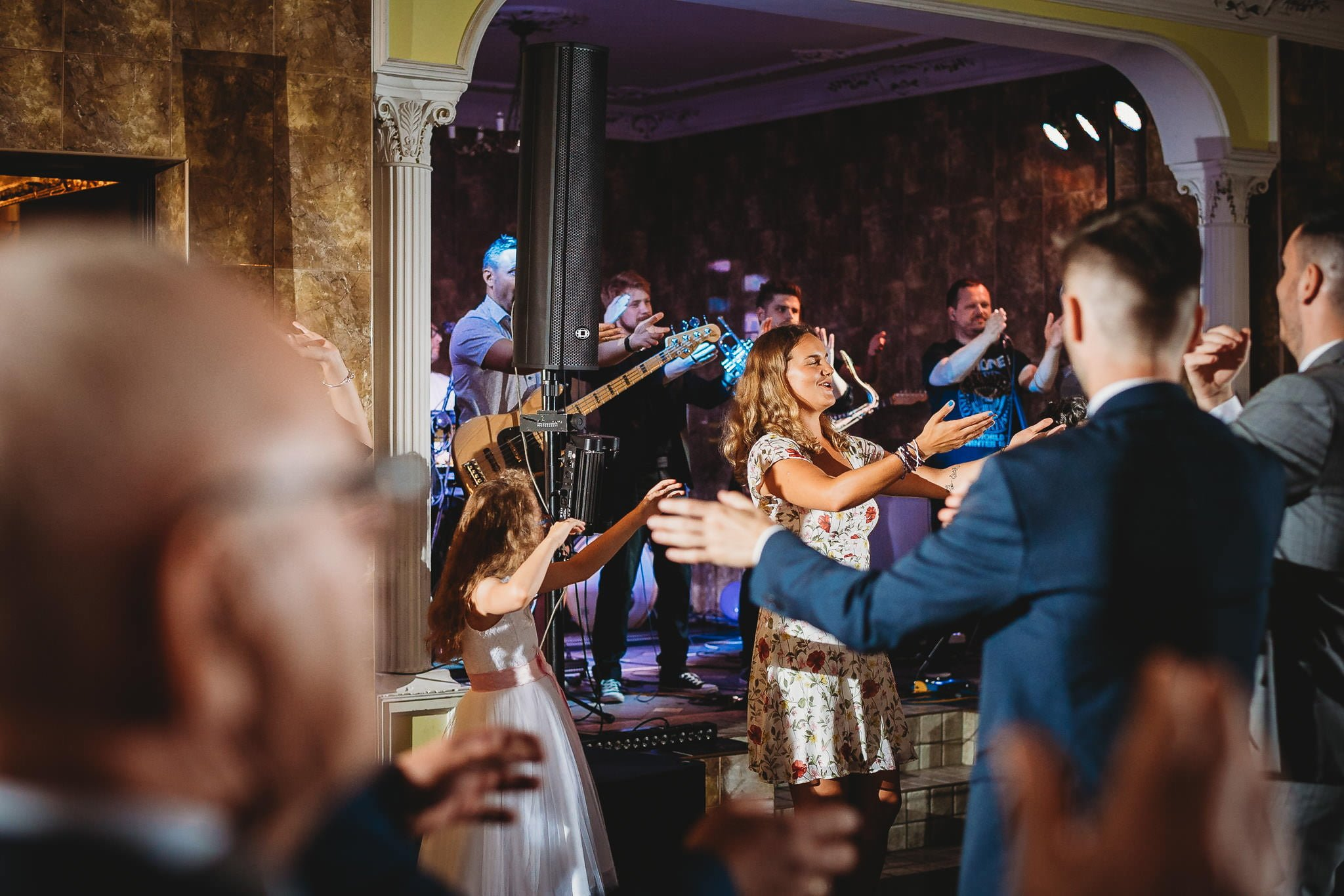 Płacz, łzy, śmiech, szał mieszanka wybuchowych emocji na niezapomnianym ślubie w Jaocinie| fotograf ślubny Konin 419