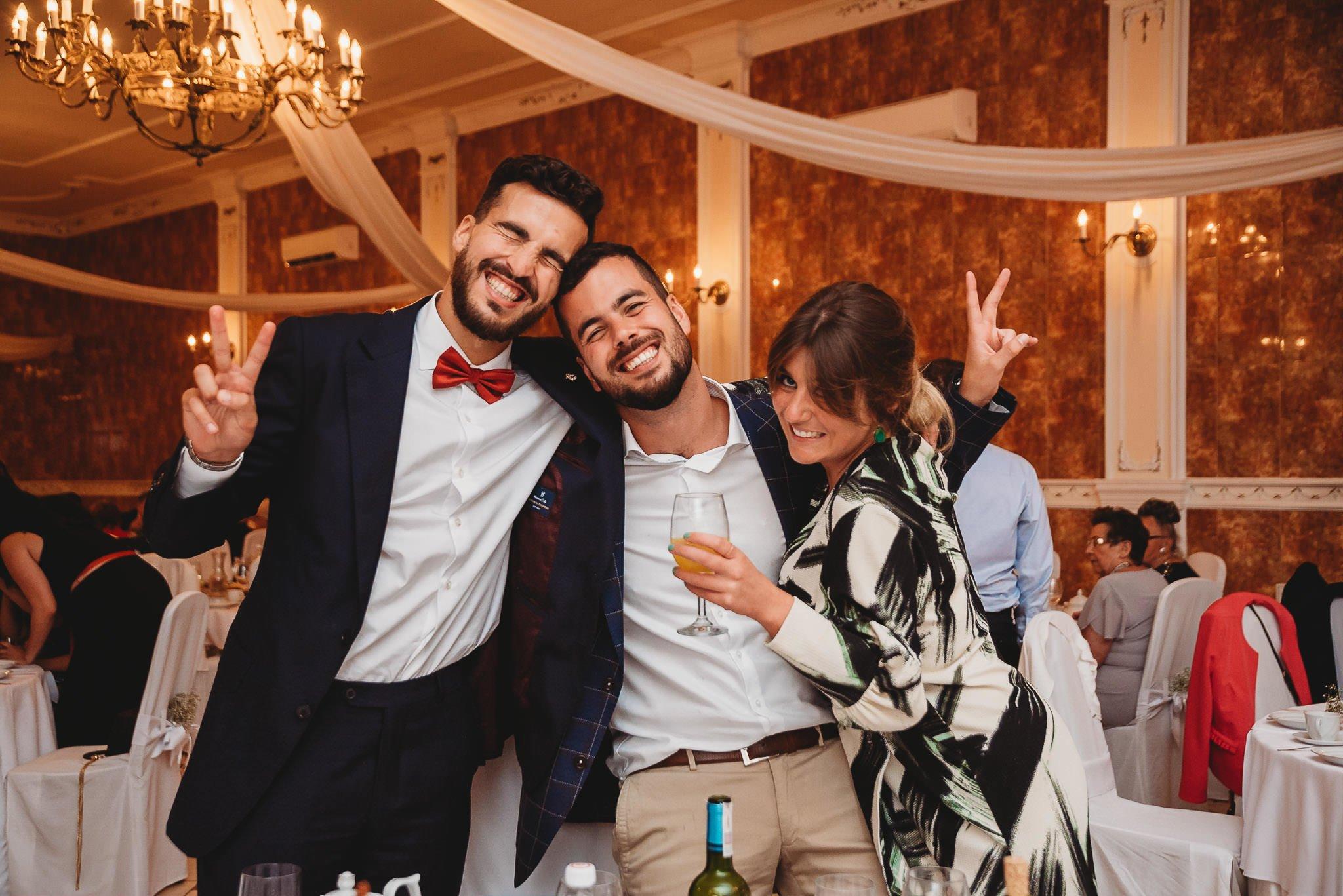 goście weselni, radość,