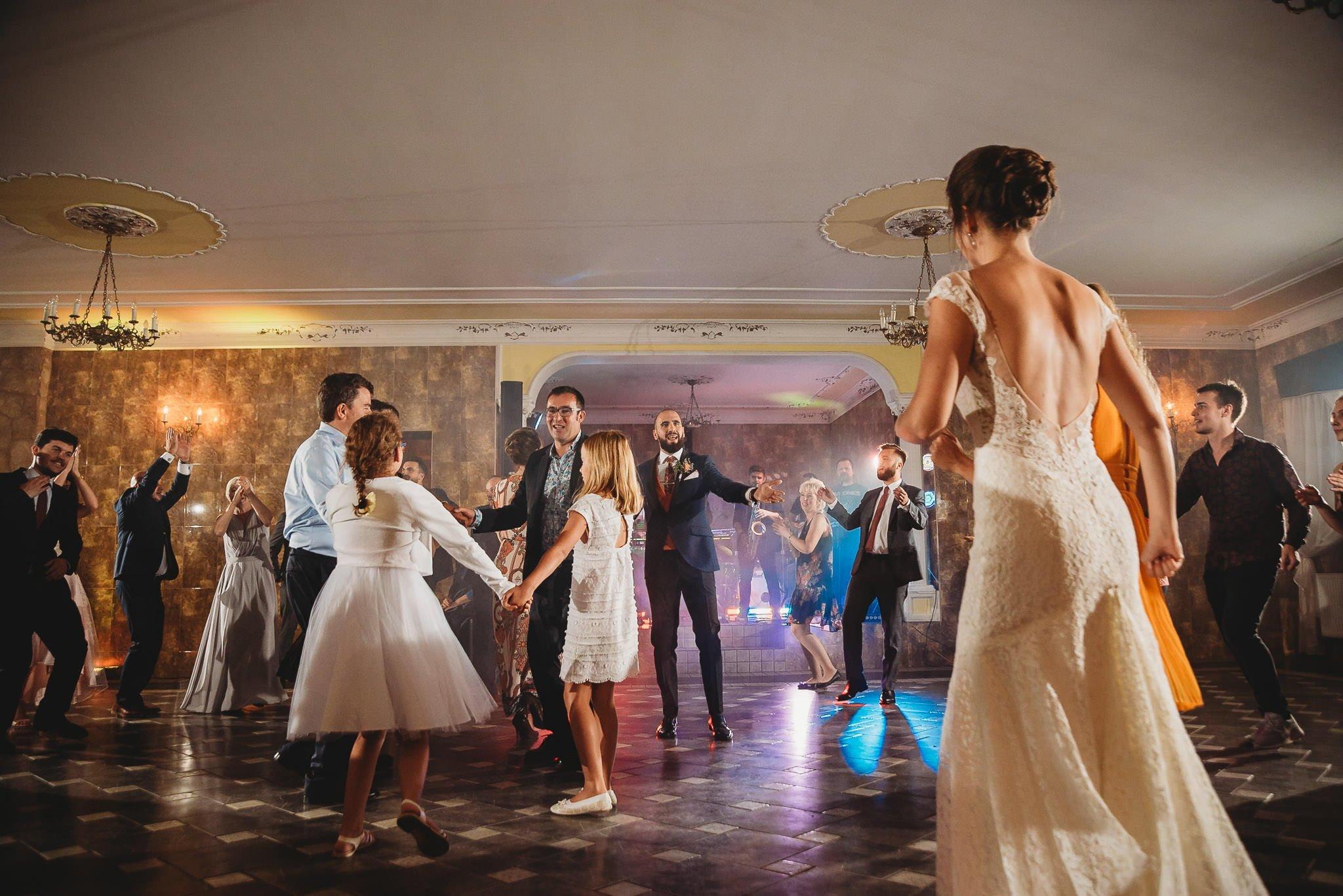 Płacz, łzy, śmiech, szał mieszanka wybuchowych emocji na niezapomnianym ślubie w Jaocinie| fotograf ślubny Konin 483