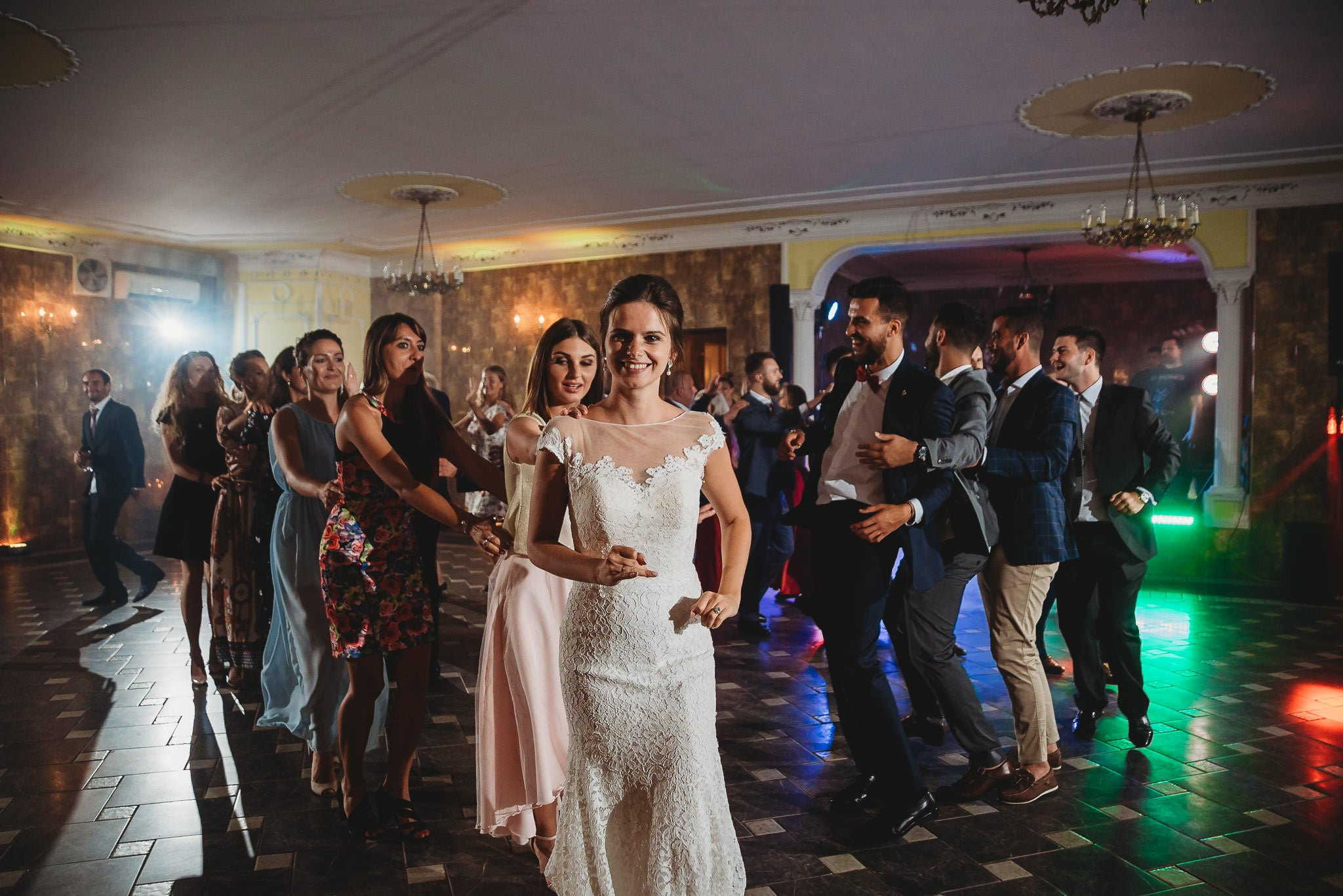 Płacz, łzy, śmiech, szał mieszanka wybuchowych emocji na niezapomnianym ślubie w Jaocinie| fotograf ślubny Konin 491